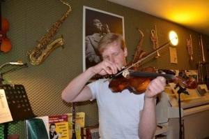 a NEWS 2015 Geigenunterricht musikschule muenster musikunterricht muenster privater musikunterricht muenster 300x199 - Violine lernen Münster